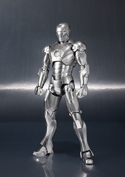 S.H. Figuarts IRONMAN MK2 and Hall of Armor
