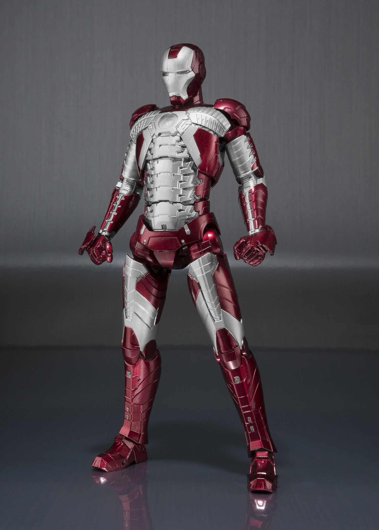 S H Figuarts Ironman Mk5 And Hall Of Armor