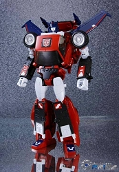 Takara Tomy - Masterpiece MP-26 ROAD RAGE w/Coin