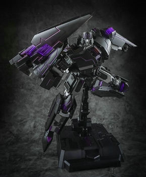 Generation Toy GT-2 RE TYRANT (Clear Black Edition)