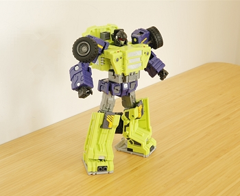 Toyworld TW-C03B BURDEN Heels and Yellow CONSTRUCTOR Torso Fillers