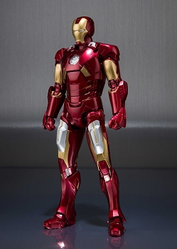 S.H. Figuarts IRONMAN MK7 and Hall of Armor