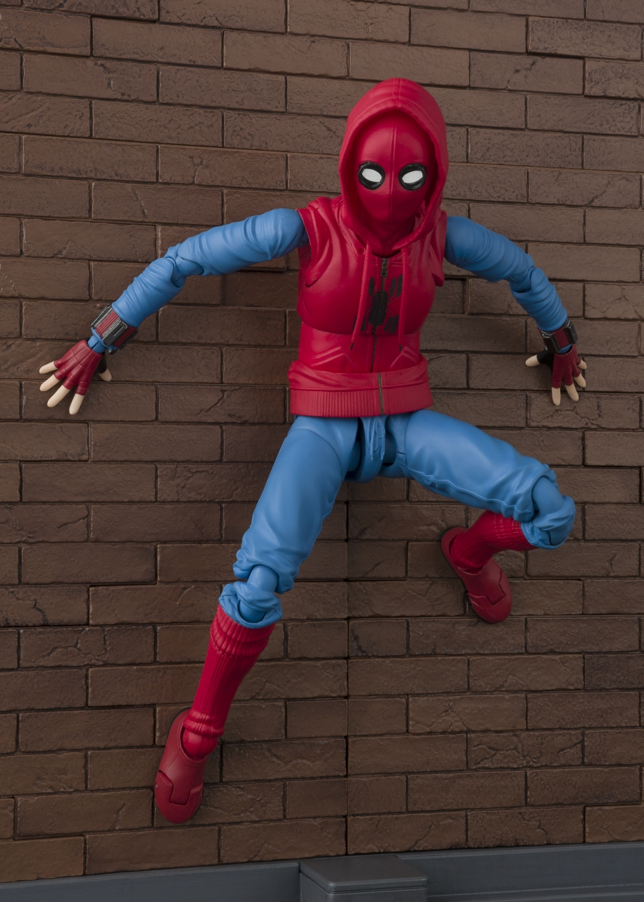 WALL SHF FIGUARTS BANDAI SPIDER-MAN HOME SUIT