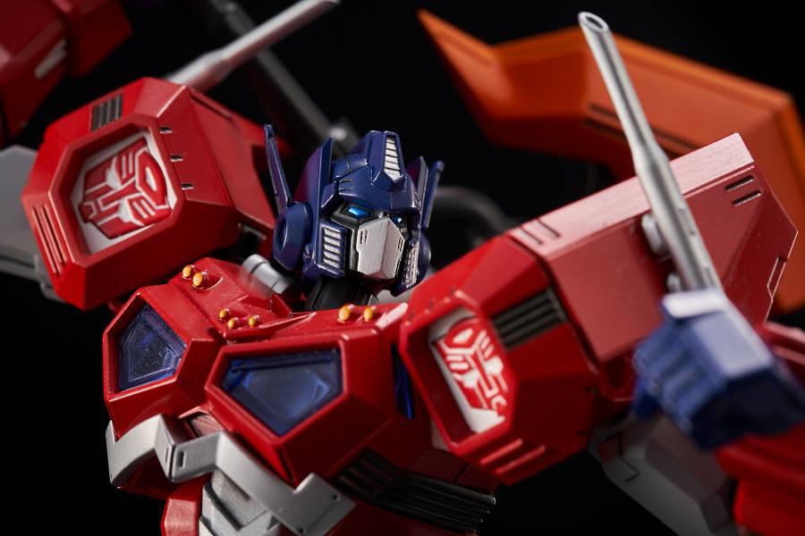 Flame Toys Furai Model 01 Optimus Prime Attack Mode