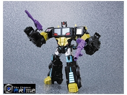 Takara Transformers Unite Warriors - GRAND SCOURGE