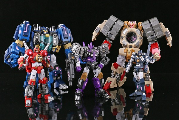 Iron Factory SPIRITS OF THE D.E.C. Combiner Team (MIB SET)