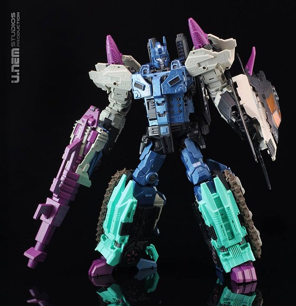 Mastermind Creations R-17 CARNIFEX (Second Run)