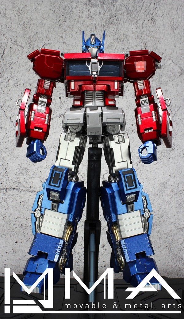Moveable & Metal Arts MMA-01 (IDW Optimus Prime)