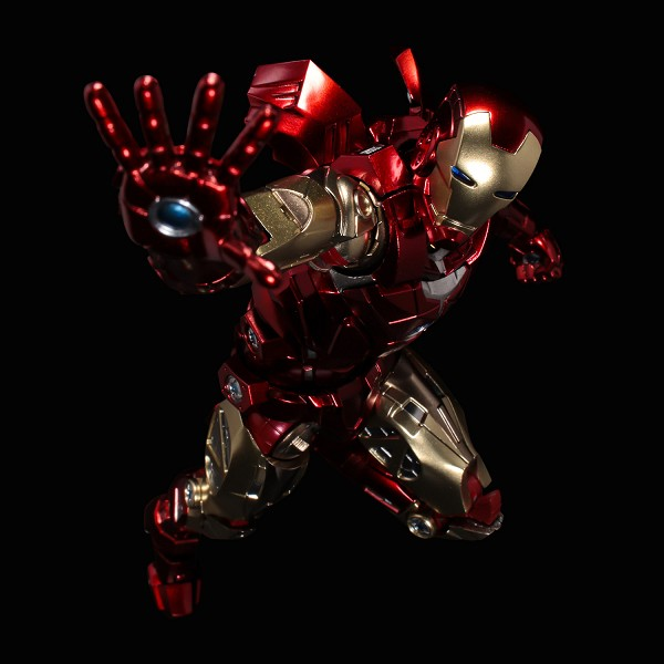 SEN-TI-NEL  Fighting Armor IRON MAN